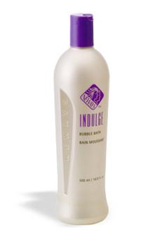 אינדלג' בינוני - קצף אמבט מבוסס על ארומתרפיה. הניחוח הטבעי של קצף אמבט אינדלג' מקורו בגרניום סיני ותערובת מיוחדת של תמציות צמחים. מסייע לעור ולגוף להירגע בזמן שאתם שוהים באמבטיה, להרפיה ולהפחתת לחץ.