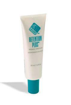 ריטנשן פלוס (Retention Plus) -  ריטנשן פלוס מכיל אלסטין בעל אחיזה צולבת, המורכב מדסמוזין ואיזודסמוזין, שהם הרכיבים החסרים בעור מקומט וכן ויטמין A טבעי. ריטנשן פלוס, מחליק קמטים חדשני, המהווה פריצת דרך משמעותית ביותר בתחום, בונה מחדש ומחזק את העור ויוצר שיפור משמעותי ביותר במראהו של עור מקומט, מבוגר או מצולק ומעלה גם את רמות הלחות בעור.