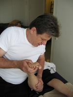 הרפלקסולוגיה מתבססת על כוחות הריפוי הטבעי של האדם ובכך מעצימה את הבריאות.