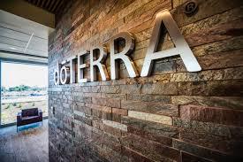 """חברת דוטרה (doTERRA), יוטה - ארה""""ב - יצרנית מוצרים טבעיים ובטוחים לשימוש על בסיס שמנים אתריים טהורים: שמנים אתריים טיפוליים, תערובות שמנים אתריים, מוצרי היגיינה על בסיס שמנים אתריים, מוצרי טיפוח וניקיון על בסיס שמנים אתריים"""